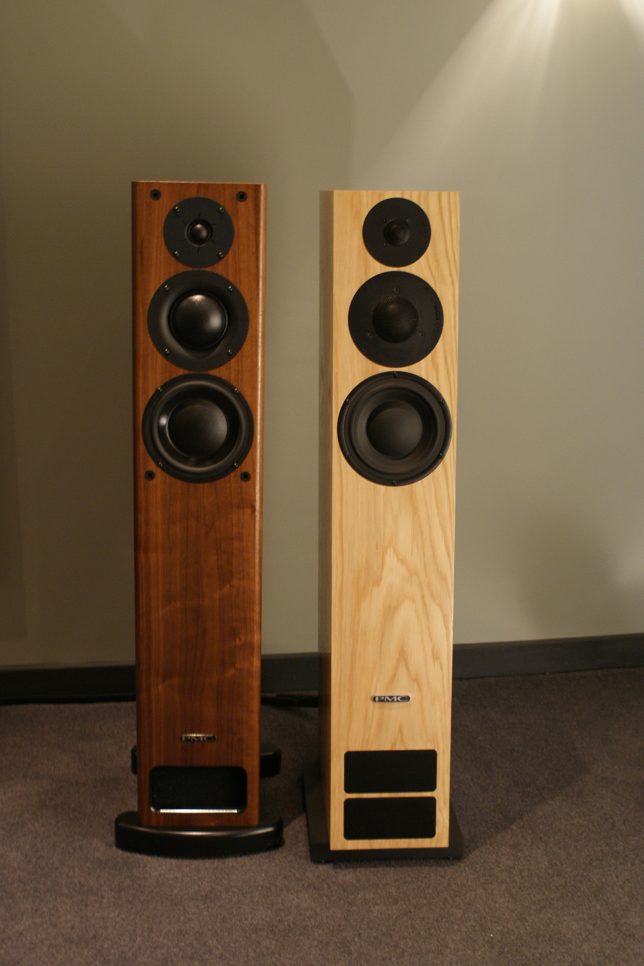 PMC Twenty:26 vs PMC OB1i speakers